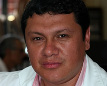 Fernando is a Trainee Surgeon at Aprecia hopsital in Santa Cruz.