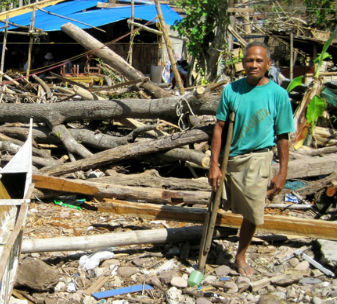 63 year-old Henry lost everything when Typhoon Haiyan struck the Philippines and has fortunately benefitted from CBM's intervention.