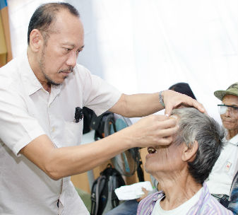 Dr Rabino is an ophthalmologist at the CBM-supported Cataract Foundation in the Philippines.