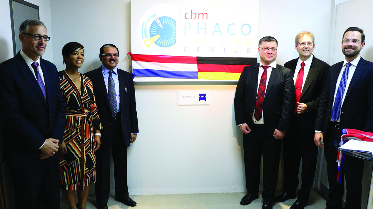 Representatives of CBM, our partner hospital in Paraguay Fundación Visión and ZEISS International at the training centre opening ceremony in February 2018.