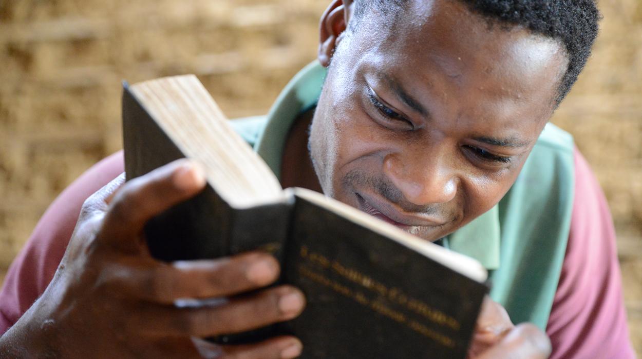 Desire reading his Bible.